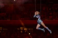 La diva de la pop Lady Gaga a envoyé un message de tolérance lors du traditionnel spectacle de la mi-temps du Super Bowl, dimanche à Houston.