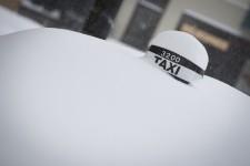 La tempête qui s'est abattue sur le Québec a paralysé de nombreuses routes depuis mardi.