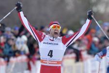 Revoyez en image la finale du sprint style libre de la Coupe du monde de Québec, qui a couronné le fondeur de Saint-Férréol-les-Neiges, Alex Harvey.