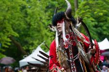 Plusieurs Autochtones et spectateurs ont convergé vers Wendake, samedi, pour le grand Pow Wow 2017.