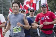 Le premier ministre du Canada, Justin Trudeau, a couru les 5 KM de la course de l'Armée en 22 minutes 37.04 secondes, terminant au 66ième rang de sa catégorie.
