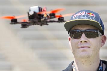 Montréal inaugure sa première exposition de drones