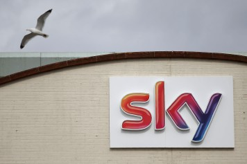 FILES-BRITAIN-US-TAKEOVER-TELEVISION-SKY-COMCAST