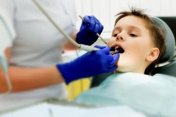 Soins dentaires: vives tensions autour des champs de pratique