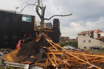 Tornade à Gatineau: incendie dans une école, dommages importants