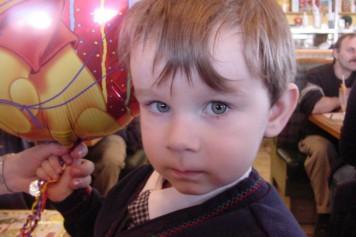 Mort d'un bambin à Montréal: accusée en France 17 ans plus tard