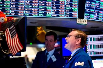 «Nous sommes très loin d'une récession», assure Trump