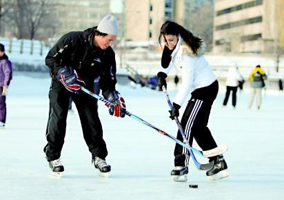 Les patineurs envahissent le canal philippe orfali for Patinage exterieur