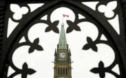 Les consommateurs québécois pâtiront du projet de loi «mammouth» C-38 qui vient... (Photo: La Presse Canadienne)