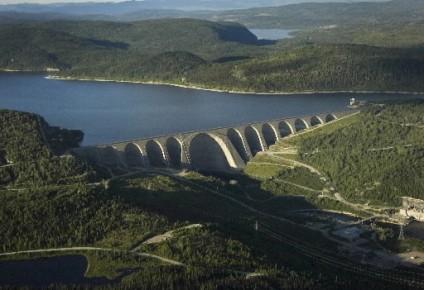 Vue aérienne du barrage Manic 5... (Photo: Archives La Presse)