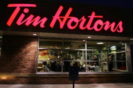La chaîne de restauration rapide Tim Hortons (T.THI) a annoncé... (Photo: PC)