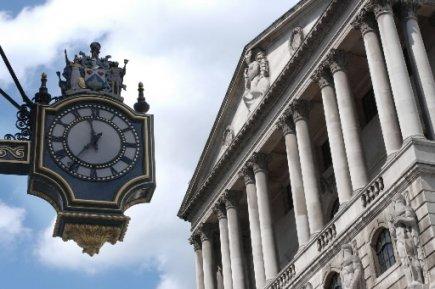La Banque d'Angleterre devrait finir l'année sur un statu quo monétaire, optant... (Photo: Bloomberg)