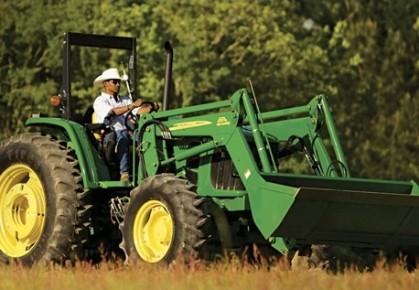 Deereest le plus gros manufacturier d'équipement agricole au... (John Deere & Co.)