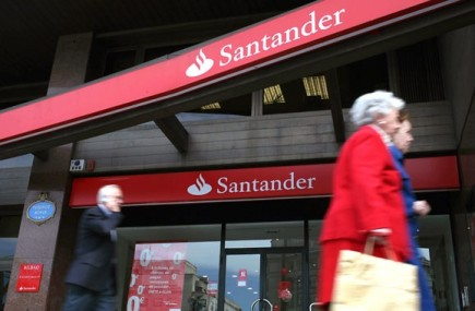 L'agence d'évaluation financière Fitch a dégradé lundi de deux crans les notes... (Photo: Bloomberg archives)