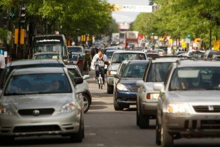 Les automobilistes montréalais sont invités à laisser à... (Photo: Martin Chamberland, La Presse)