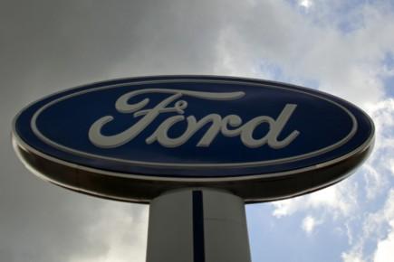 Le constructeur automobile américain Ford (F)a annoncé jeudi... (Photo: Reuters)