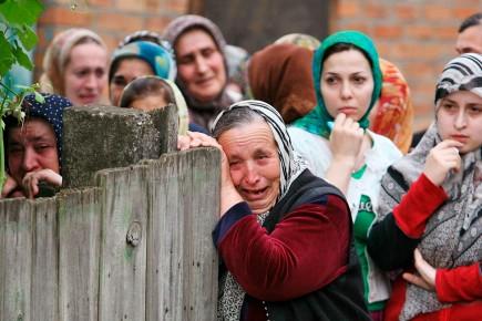En Tchétchénie, des femmes ont exprimé leur peine,... (Photo AP)