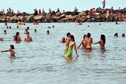 100737-algeriens-devront-habituer-profiter-plage