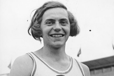 En 1938, l'Allemande Dora Ratjen bat le record...