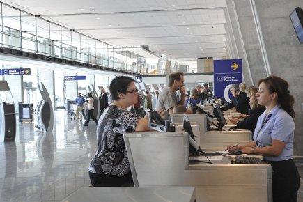 Les bénéfices des sociétés du secteur ferroviaire, aérien et du transport... (Photo: Fournie par Aéroport de Montréal)