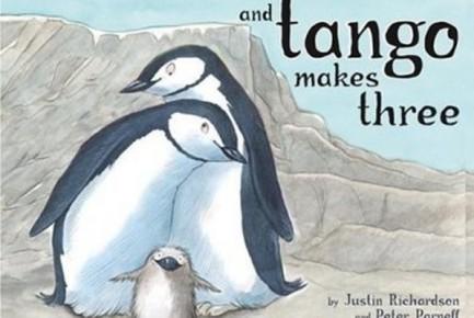 D'aucuns considèrent, aux États-Unis, le livre illustré pour enfants And Tango...