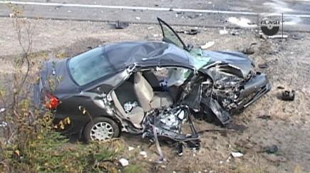 Une des voitures impliquées dans l'accident... (collaboration