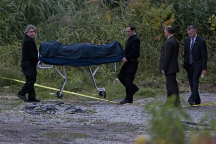 Le corps a été transporté à la morgue.... (Photo: Patrick Sanfaçon, La Presse)