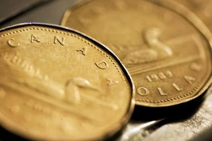 Un nouveau sondage suggère que 45% des Canadiens ne possèdent pas d'économies... (Photo: Reuters)