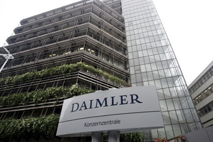 Daimler a vendu, en 2011, 1,36 million de... (Photo: Daniel Maurer, AP)