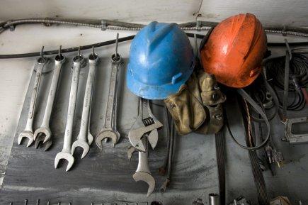 Les entreprises ont autant besoin d'opérateurs de machinerie... (Photo archives La Presse)
