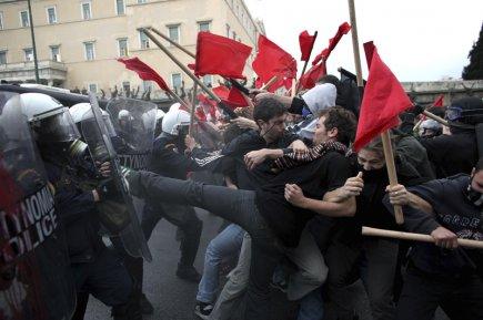 Les journées passent et les manifestations se succèdent... (Photo Angelos Tzortzinis, Agence France-Presse)