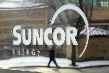 Suncor et son partenaire Total E&P Canada revoient... (Photo: PC)