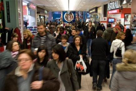 L'enquête démontre que bien de consommateurs (60%) vont... (Photo: Robert Skinner, archives La Presse)