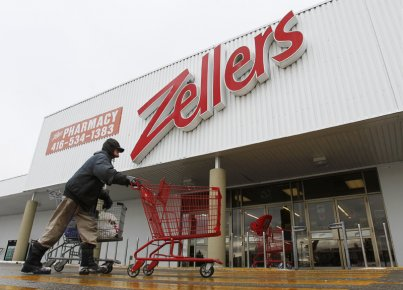 L'acquisition de plus de 35 magasins Zellers au... (PHOTO MARK BLINCH, ARCHIVES REUTERS)