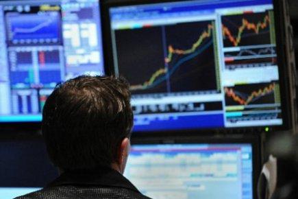 L'indice TSX a terminé sur une croissance, le 30 avril, tandis que le huard a... (Photo: archives PC)