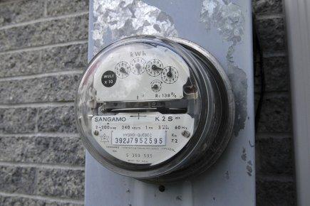 Il n'est pas si facile de réduire sa consommation d'électricité en période  de... (Photo: Le Quotidien)