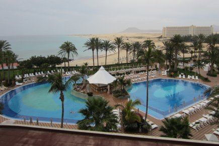 Les canaries de la plage la lune sophie ouimet for Hotel design canaries