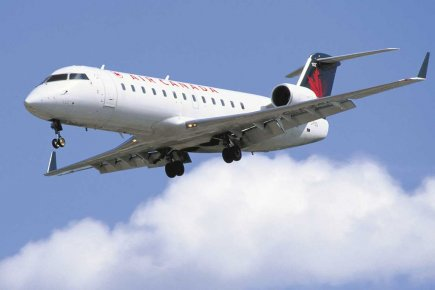 Un CRJ 200 de Bombardier.... (Photo fournie par Bombardier)
