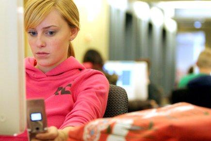 Les étudiants ne lisent plusle journal, nese préoccupent... (Photothèque Le Soleil)