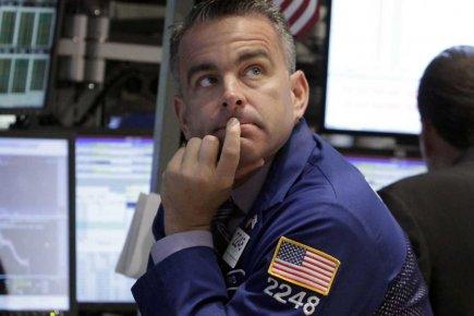 La Bourse de New York a lourdement chuté jeudi, déprimée par des statistiques... (Photo AP)