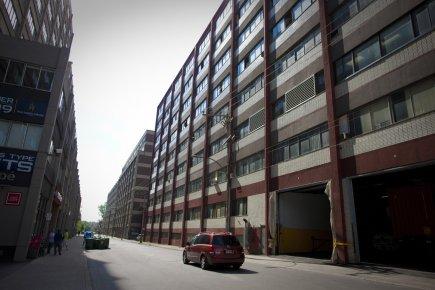 Des anciennes manufactures sur la rue De Gaspé... (Photo: André Pichette, La Presse)