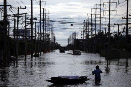 Les inondations, les pires depuis des décennies, touchent... (Photo: Reuters)