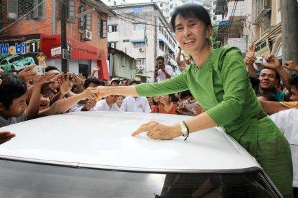 Birmanie - un zest d'ouverture de facade 402743-leader-opposition-birmane-aung-san