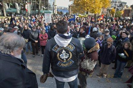 Quelque 300 manifestants se sont rassemblés à Grand... (Photo: PC)