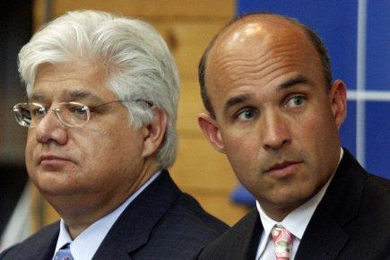 Mike Lazaridis et Jim Balsillie, photographiés en 2009.... (Photo archives Reuters)