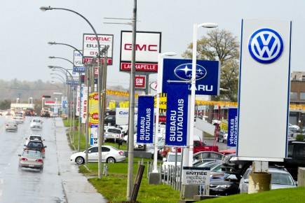 En novembre, autant les ventes de camions que... (Photo Le Droit)