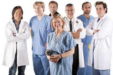 La Dre Lyne Desnoyers entourée des Drs Félix... (Photo: OSA Images)