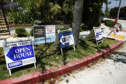 Les promesses de vente de logements ont nettement rebondi aux États-Unis en... (Reuters)