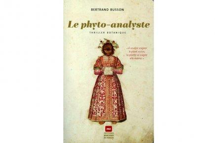 Quel livre étrange que ce premier roman qualifié de «thriller  botanique»....