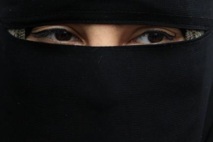 Le gouvernement néerlandais prévoit que l'interdiction de la burqa et du ... (Photo: archives Reuters)